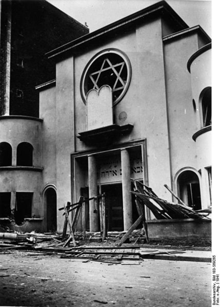 Paris, 1941. Vandalized Jewish synagogue de Montmartre