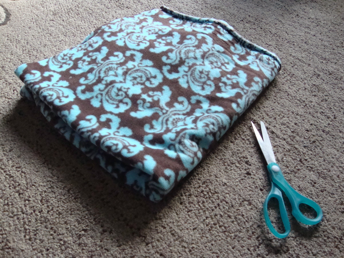 How to Make a Fleece Scarf Without Sewing