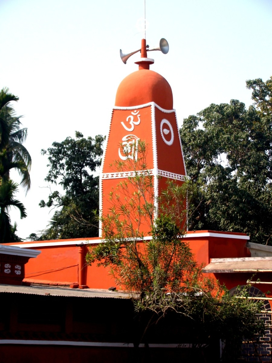 The single turret of the Nandadulal Jiu temple of Sainbona
