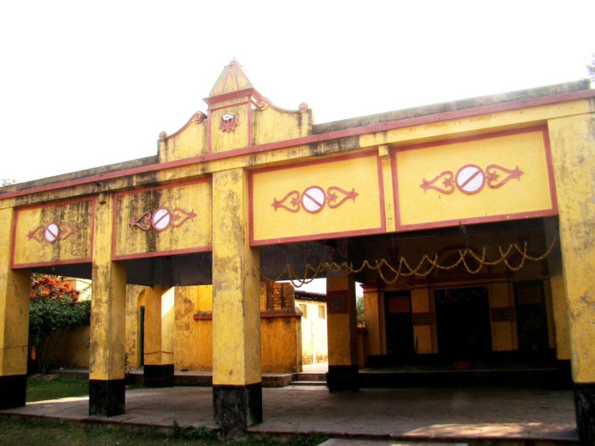 The front view of  the Gopinath Jiu temple, Khardah