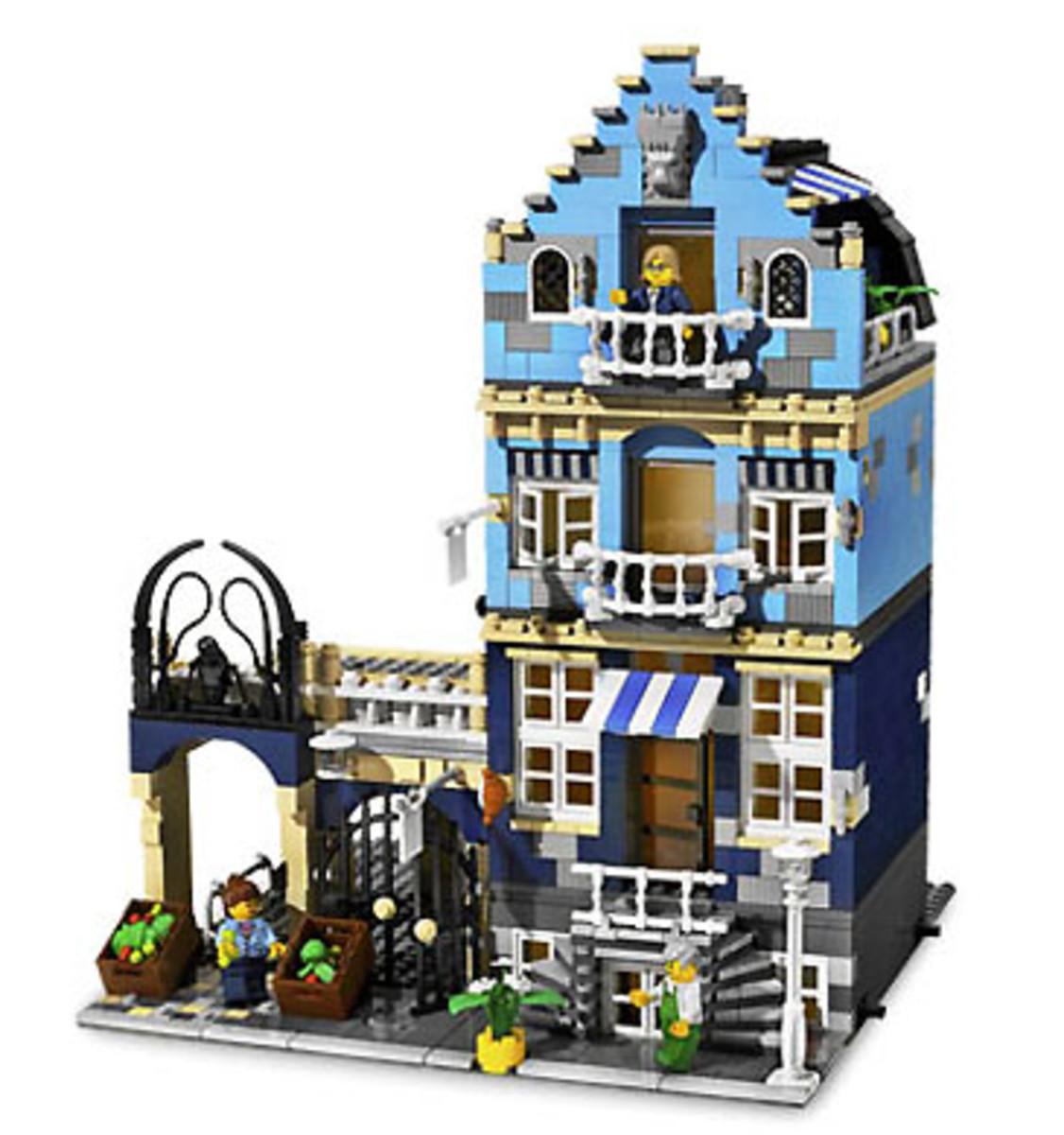 Market Street (10190) Released 2007. 1,236 pieces.