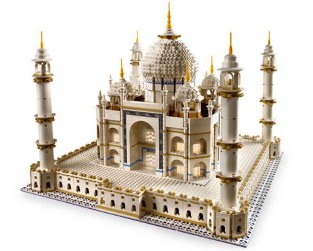 Taj Mahal (10189) Released 2008. 5,922 pieces!
