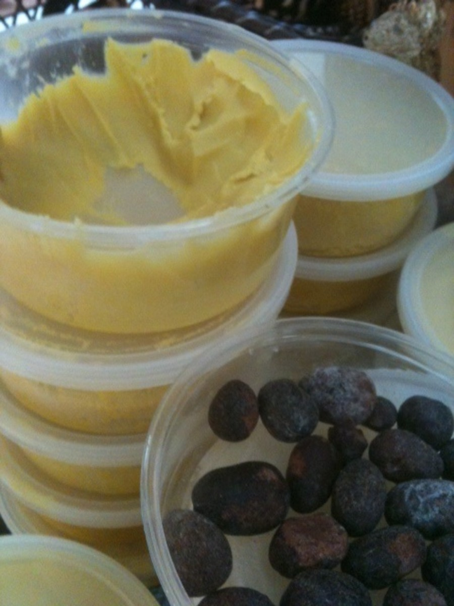 Unrefined shea butter and the shea butternut.