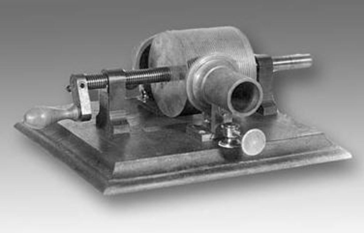 First generation phonograph