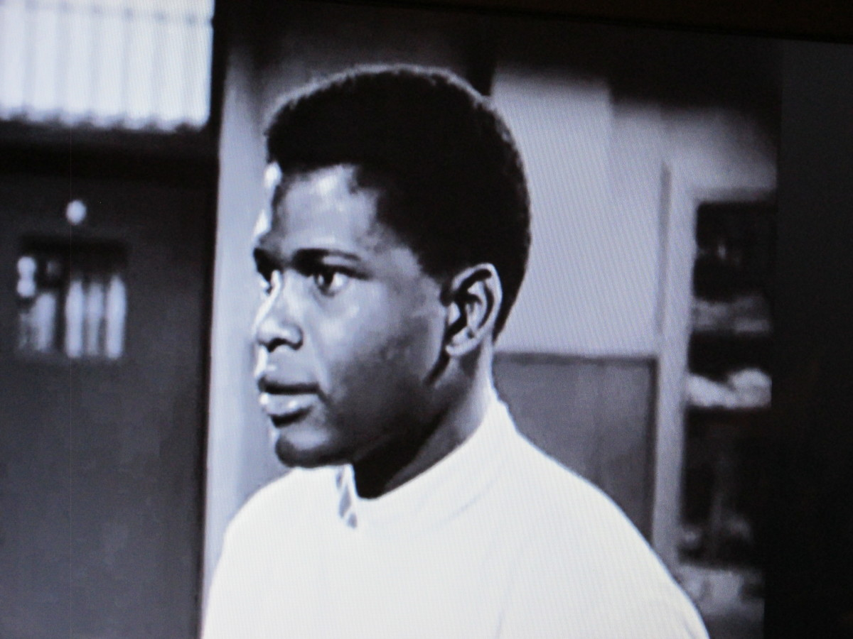 "Sydney Poitier, appeared as a doctor who was hated because of his race in the chilling move, ""No Way Out."""