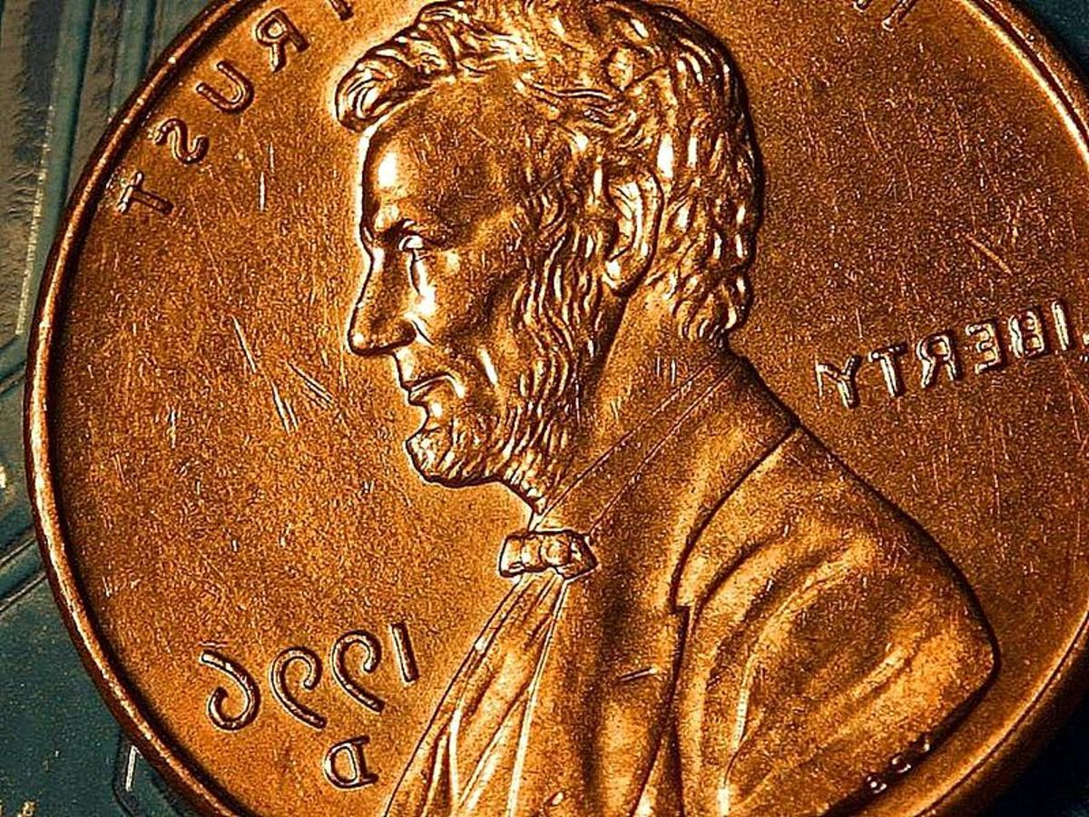 "What does ""a penny saved is a penny earned"" mean? Source: http://commons.wikimedia.org/wiki/File:Penny_cents_copper_Lincoln_coin_macro.jpg"