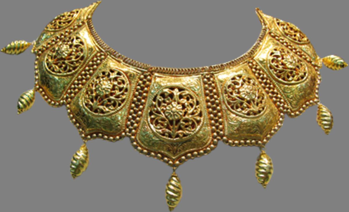 green meena design on gold