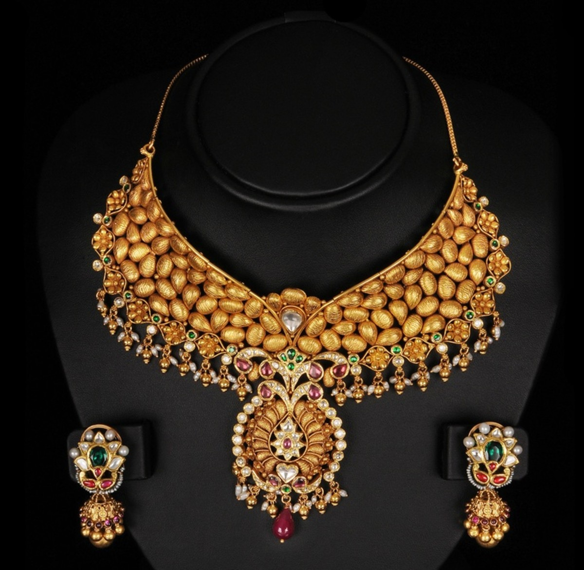 gold necklace design with gold
