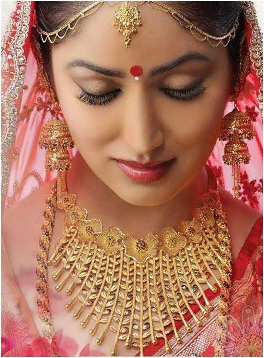 Beautiful bridal mina gold design