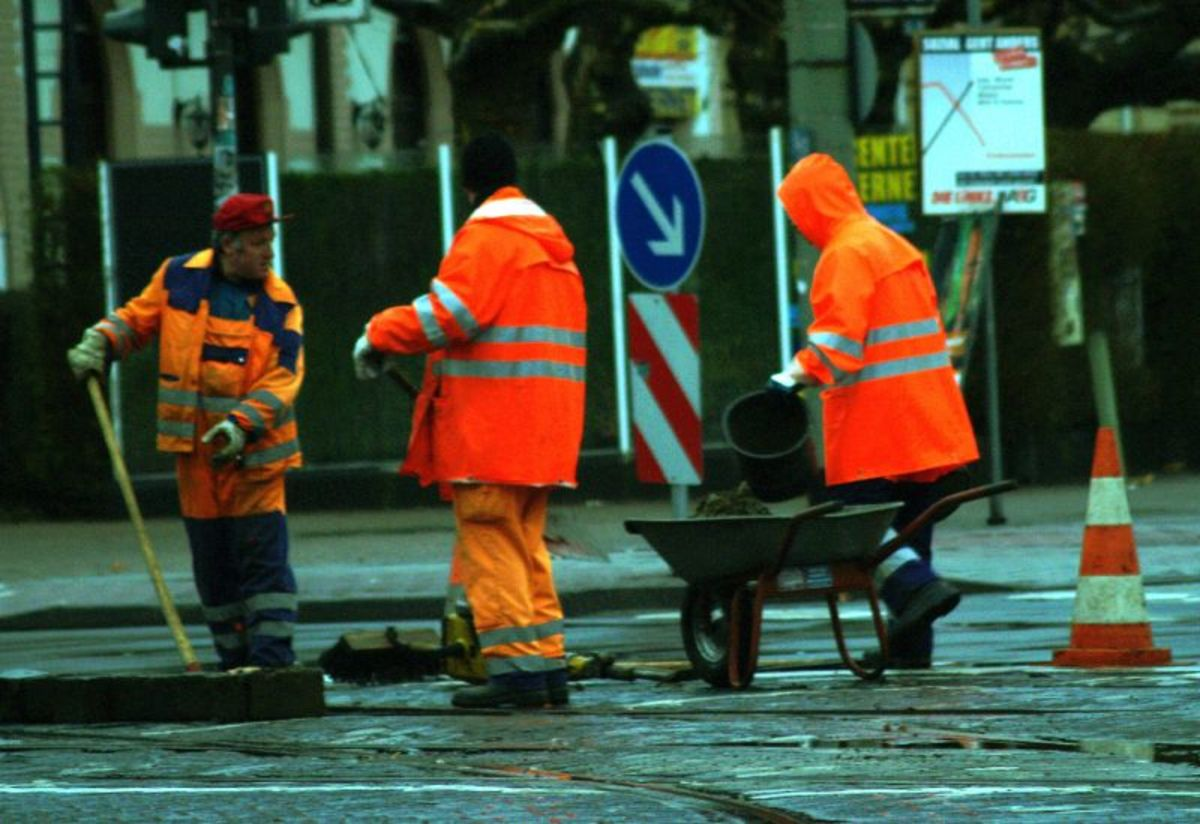 construction-rain-gear-5-best-work-pants-jackets-for-foul-weather
