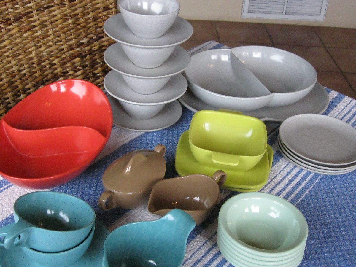 How to Collect Mid Century Modern Vintage Melamine Dinnerware of the 1940s-1970s