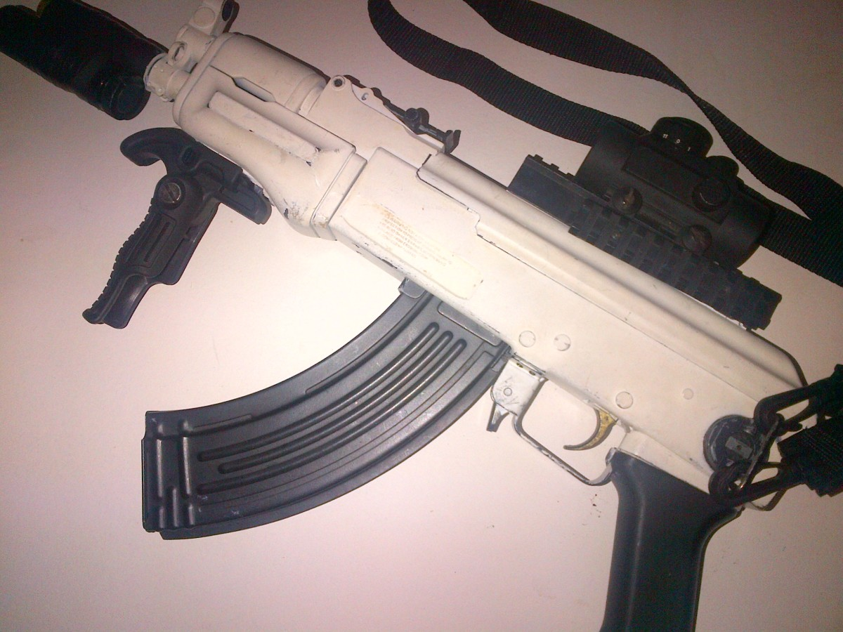 AK-74U painted in Snow White
