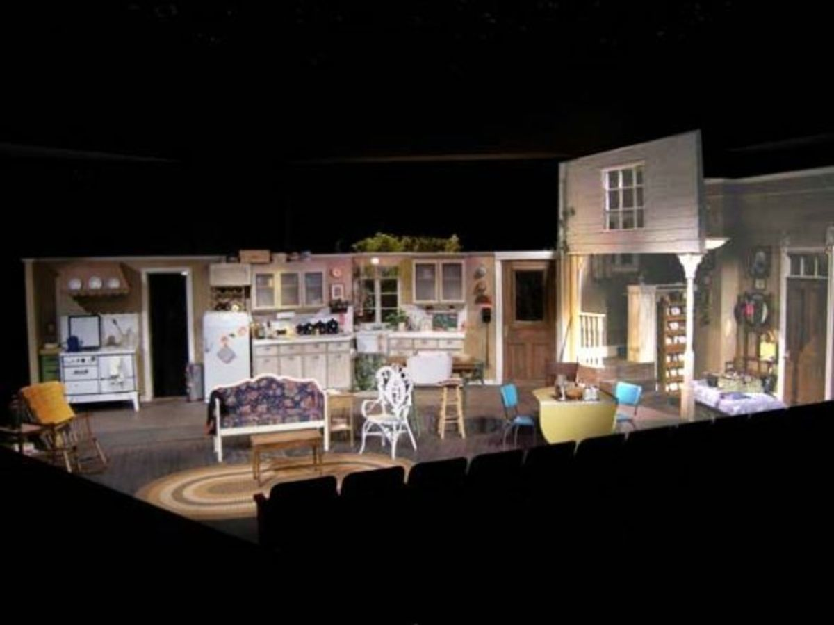 Garland Civic Theatre - set designer Clare Floyd DeVries