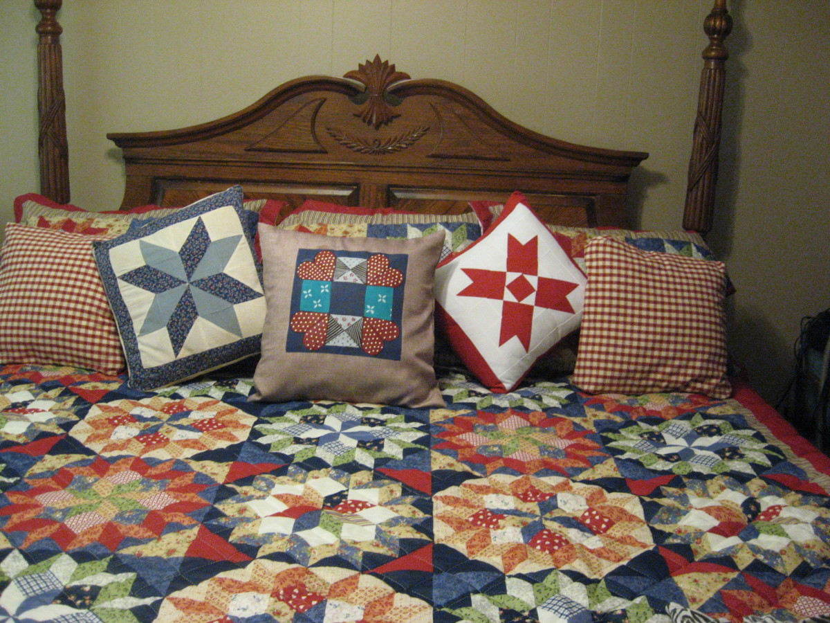 The pillow in the center is painted burlap.