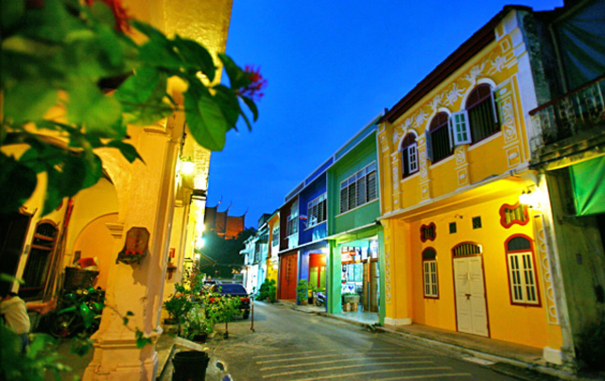 Explore these Sino-Portuguese buildings located in the heart of Phuket Old Town