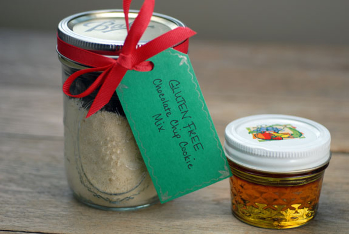 Gluten free chocolate chip cookie mix gift in a jar