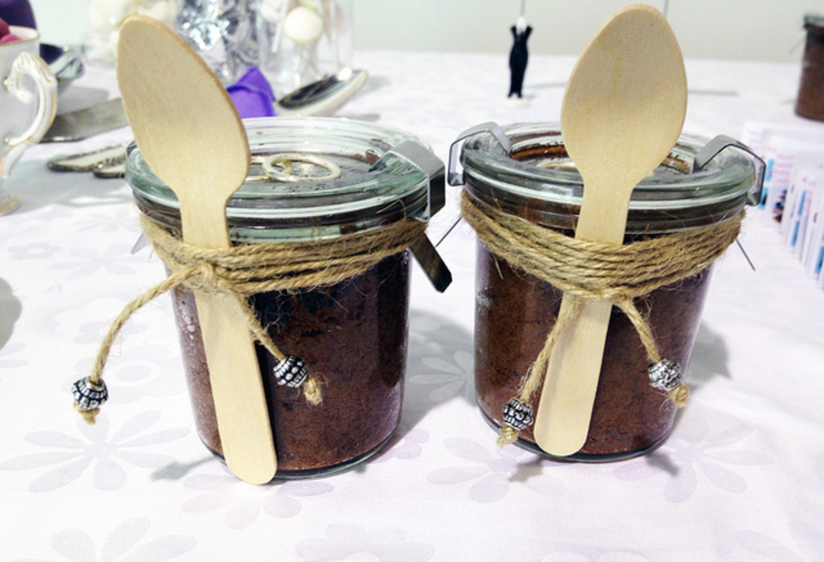 Cake gifts in a jar
