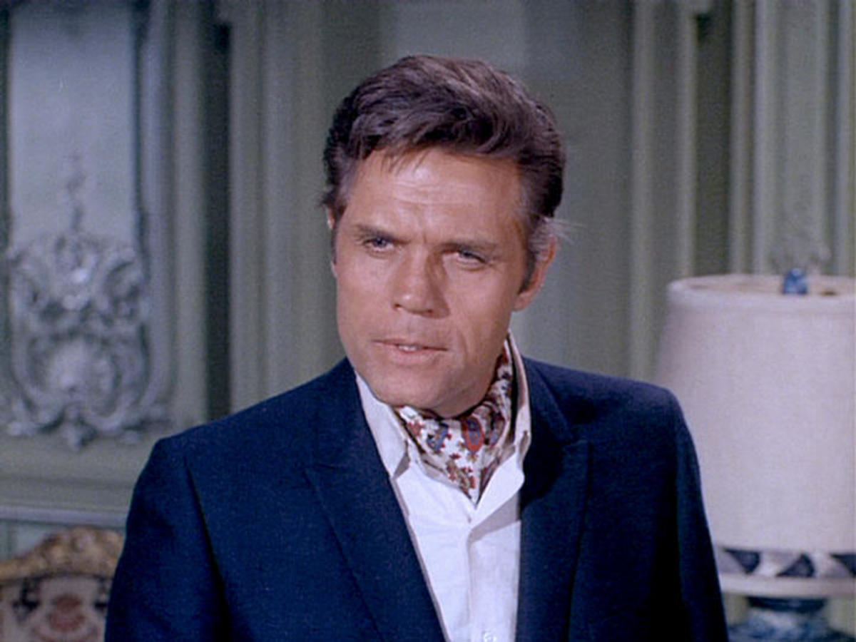 Jack Lord  in The Master's Touch Affair