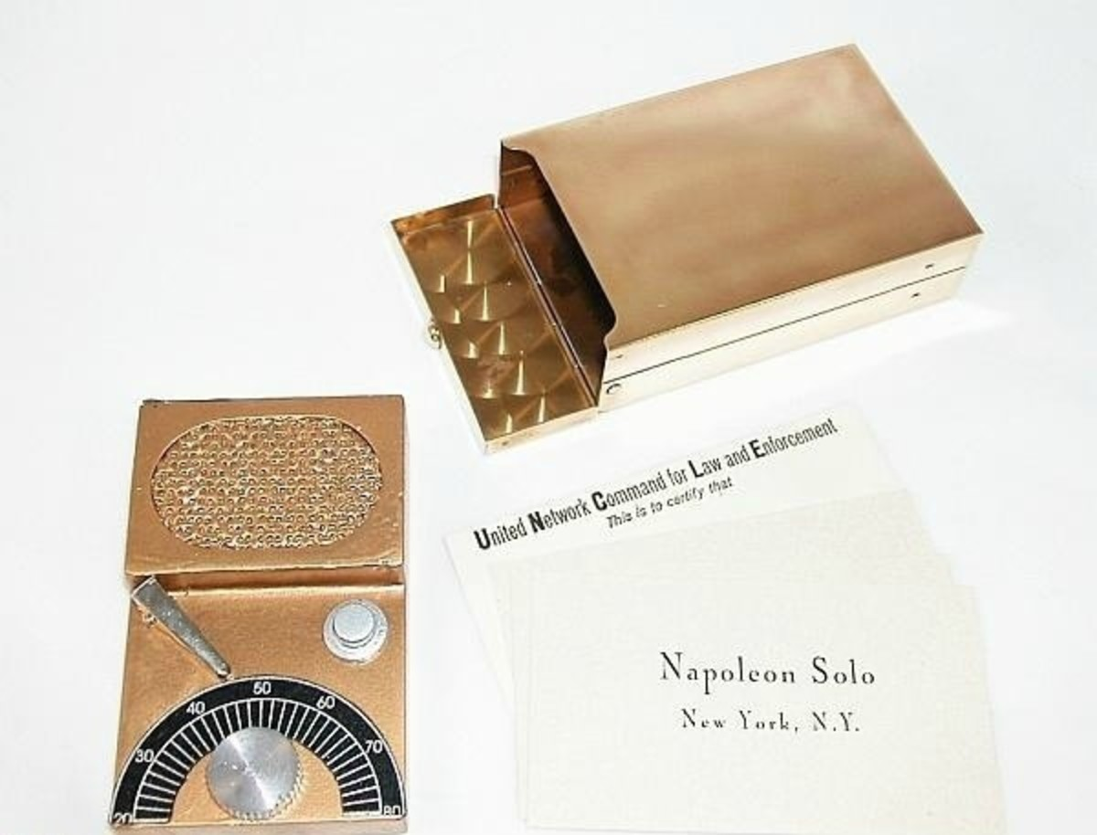 Cigarette Case communicator (  Image courtesy of YourProps.com)