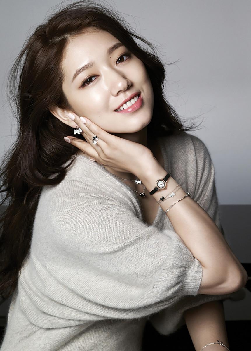 Park Shin Hye modelling for Agatha Paris F/W 2014