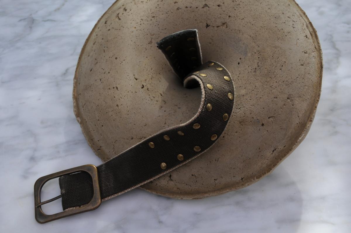 Threading the belt through the hole