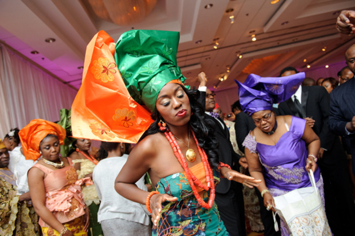 Nigerian wedding parties are full of fun and dancing