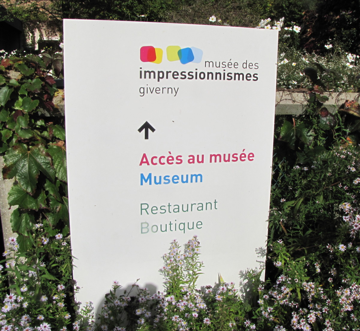 Many signs are in both French and English.