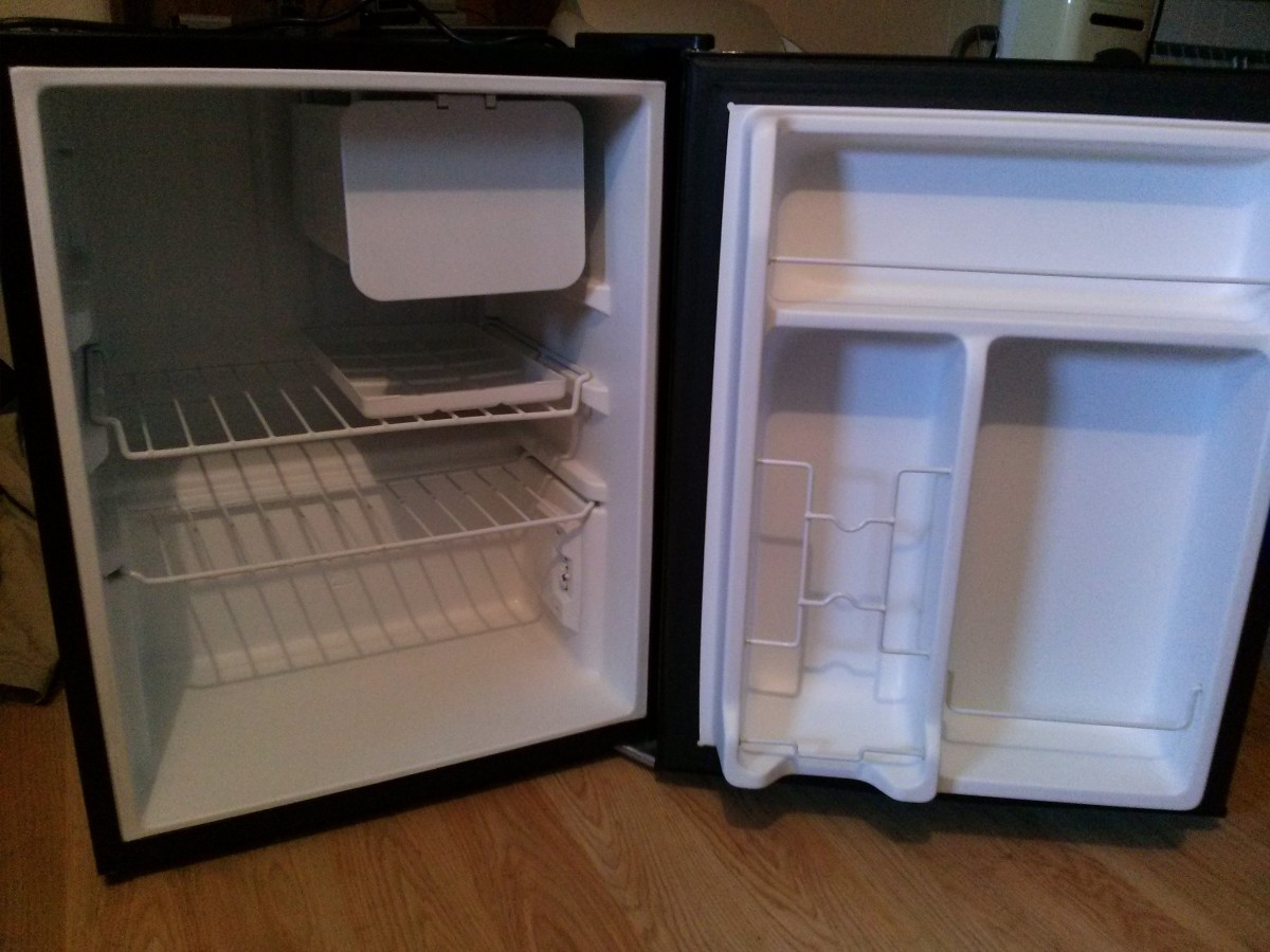 Back-To-School: Getting A Mini Fridge For College