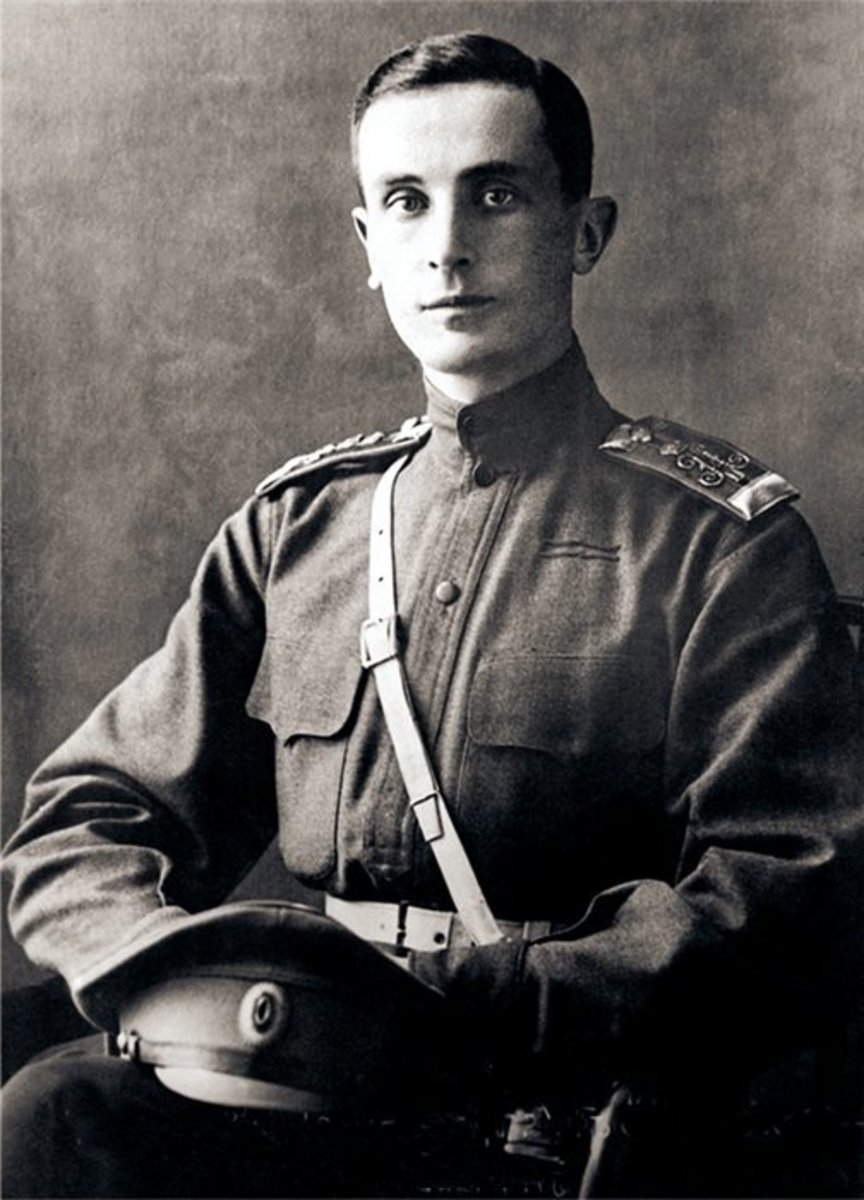 Felix in his military uniform in 1914.