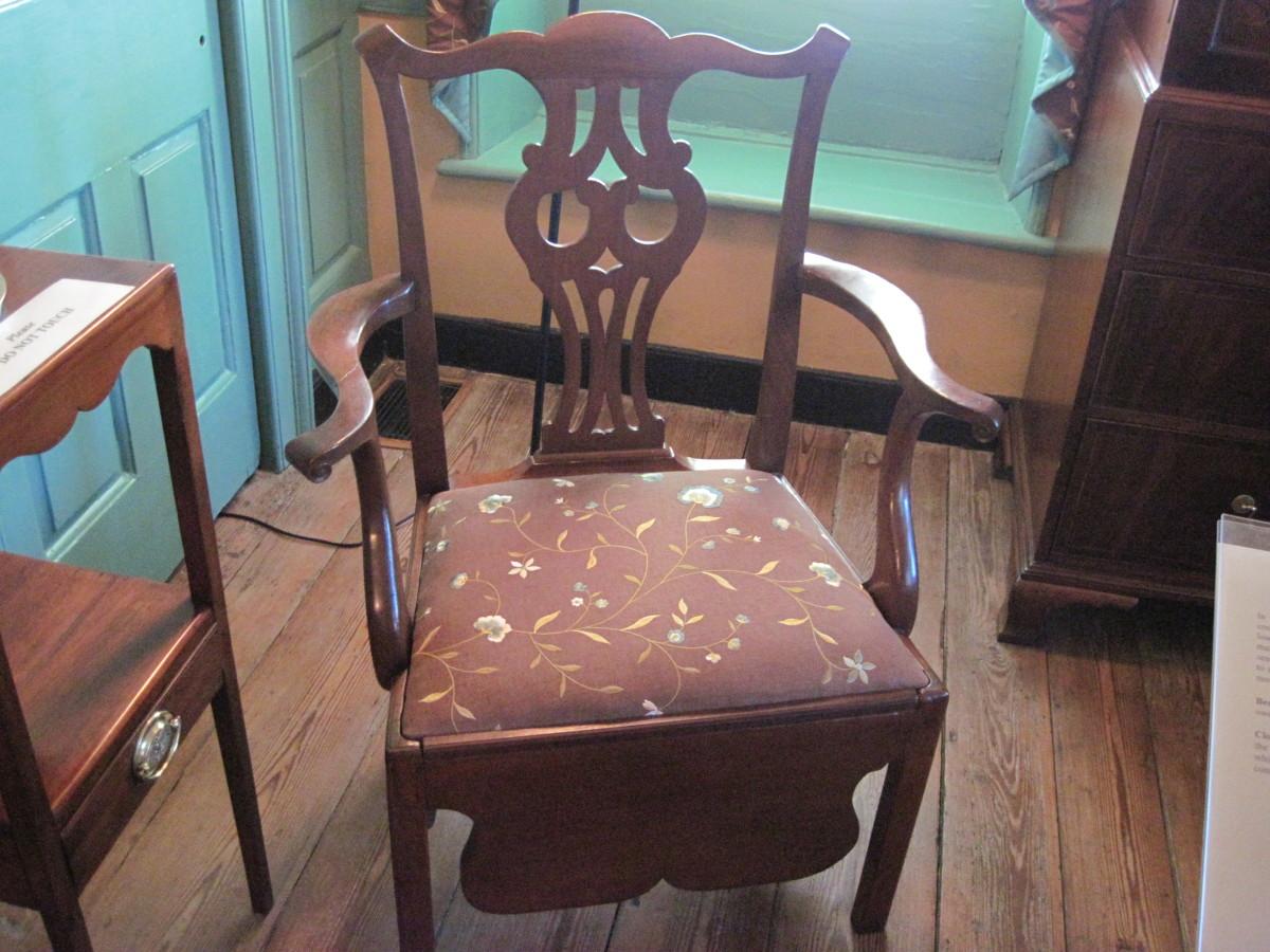 Colonial Chair/Toilet in Heyward-Washington House