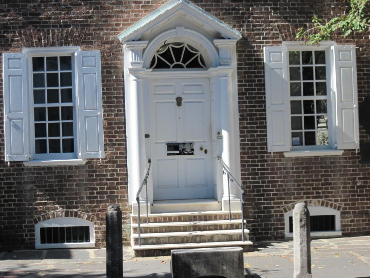 Front of Heyward-Washington House