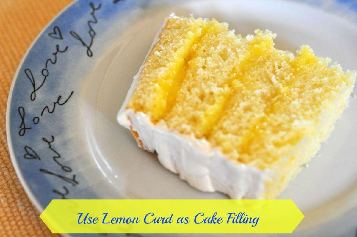 Cake with lemon curd filling
