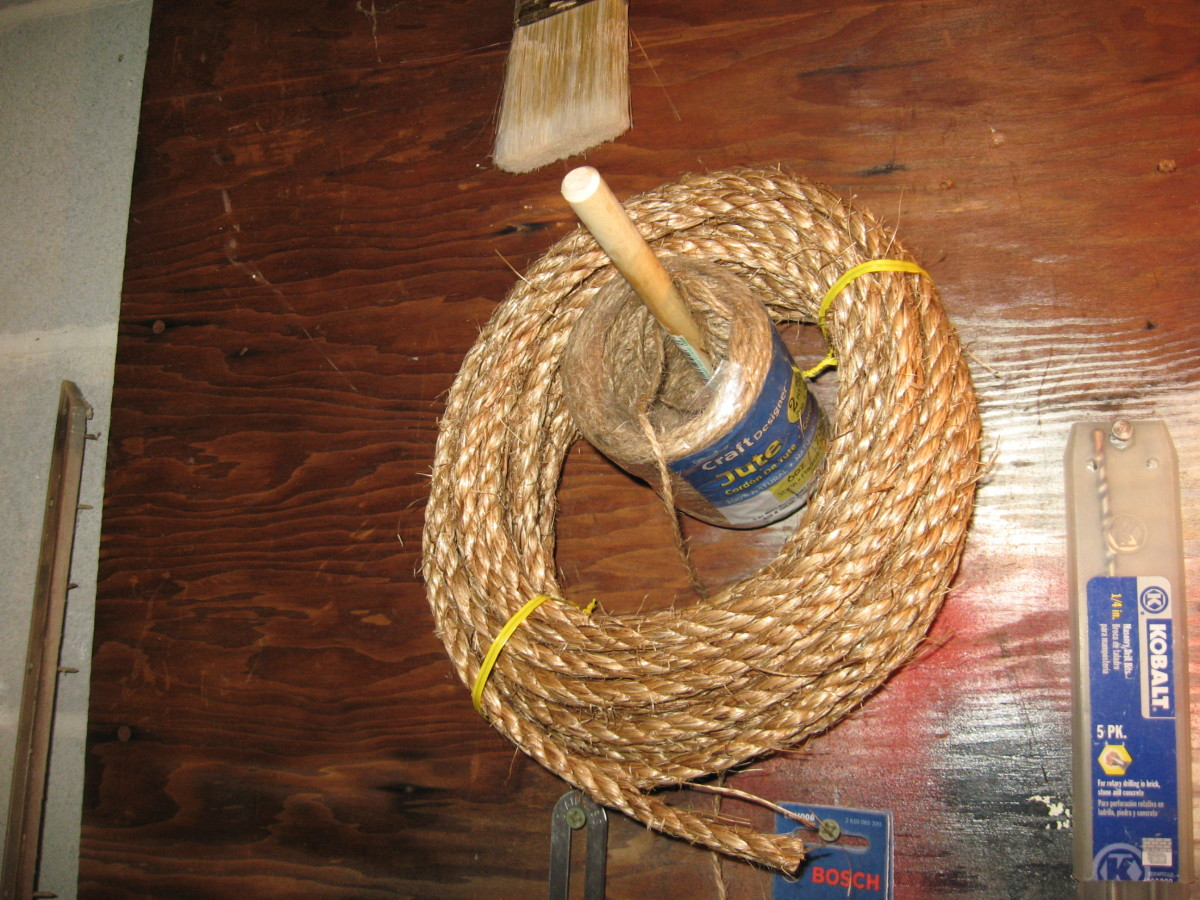 For rustic decor, use a rope hanger.