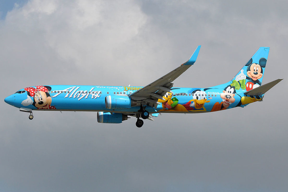 New Boeing 737-900 in 2011. America, the home of Mickey Mouse, sends a large order of new narrow-body 737s to China. Advertising brings in additional revenue.