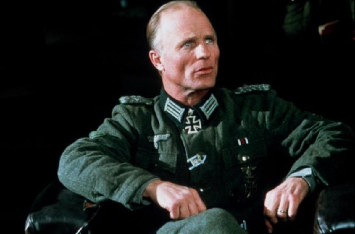 Actor Ed Harris portrays German Major Erwin König