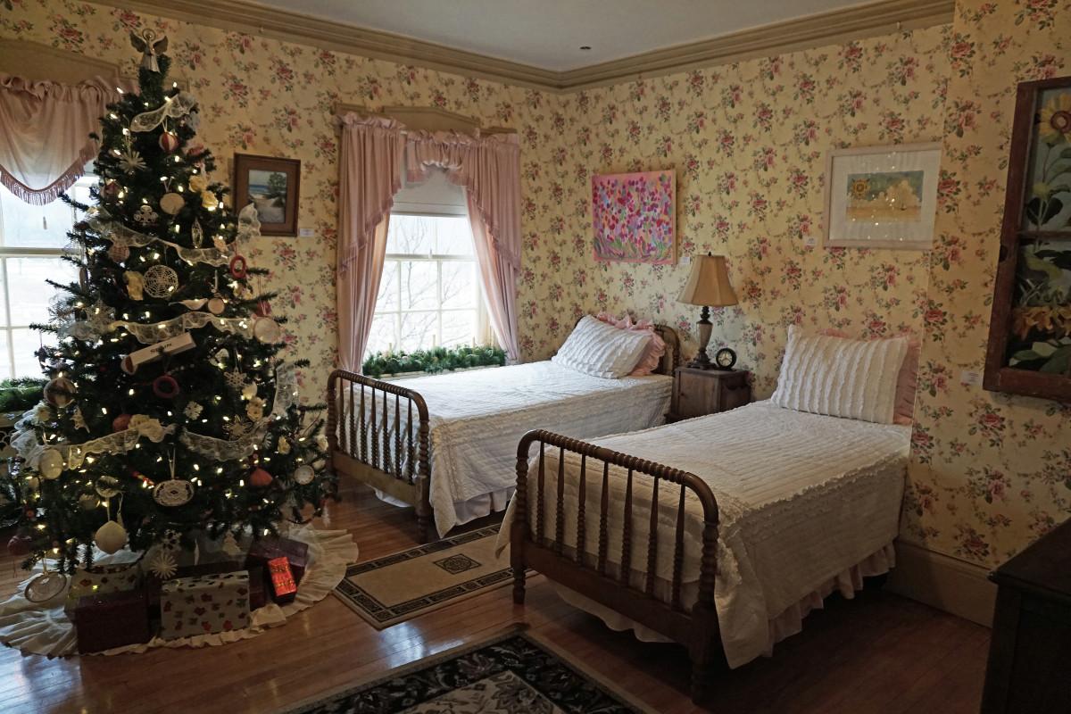 Felt Mansion Daughter's Yellow Bedroom