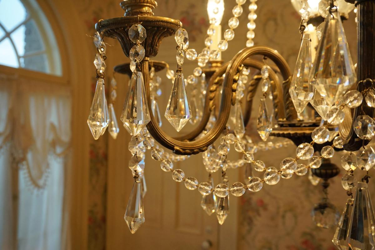 Felt Mansion Time-Period Chandelier in Breakfast Room