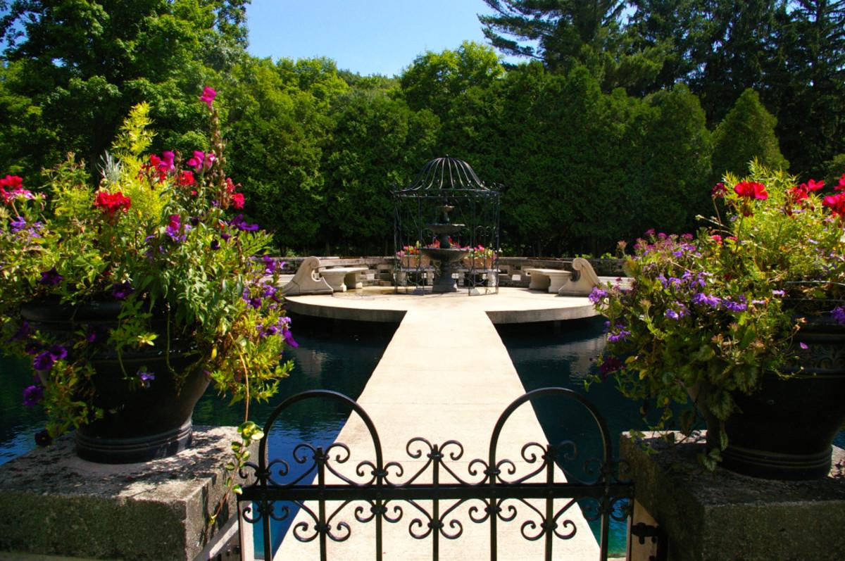Felt Mansion Water Garden