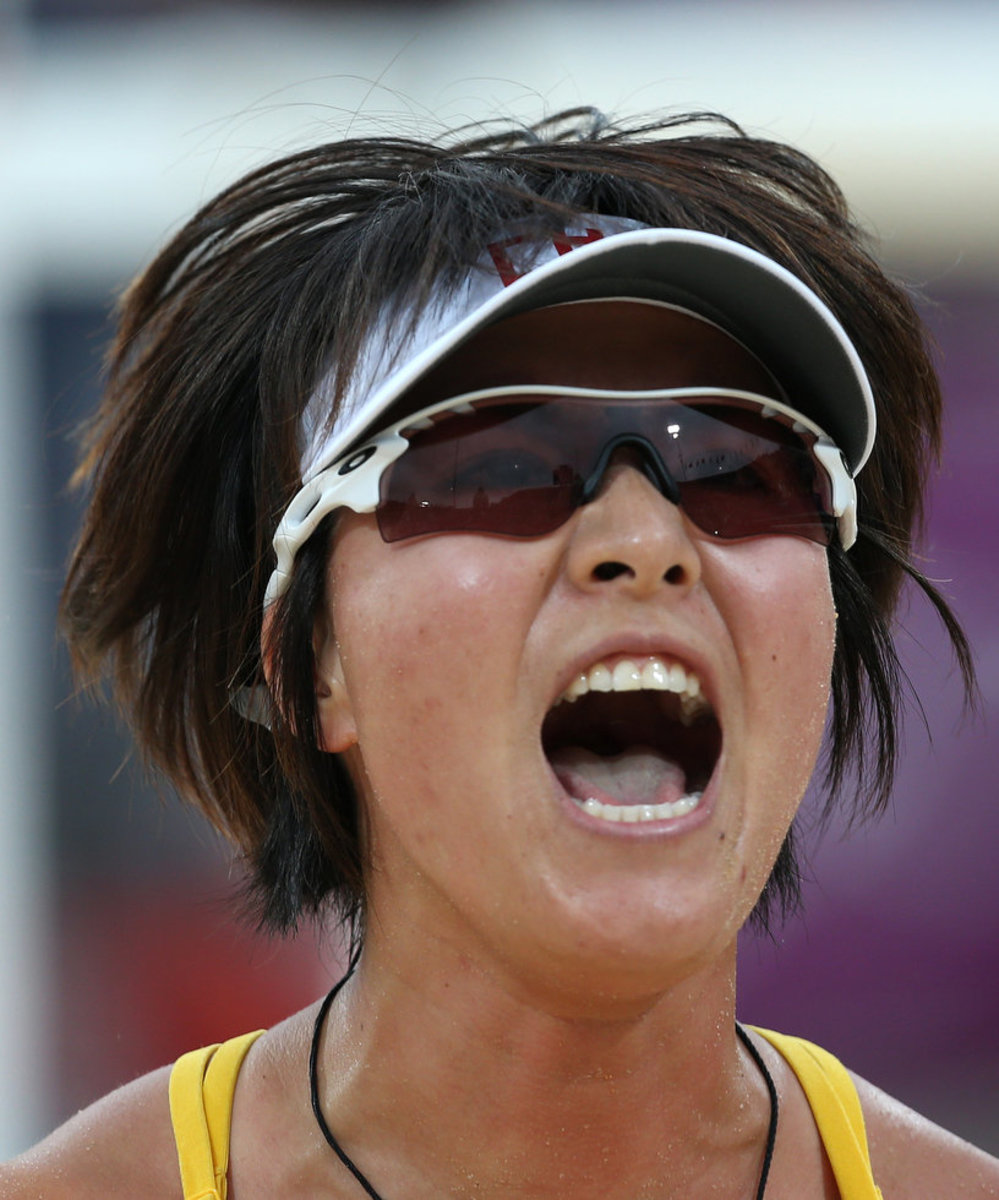 chinese-beach-volleyball-superstar-xi-zhang-she-is-famous-because-of-playing-with-partner-xue-chen