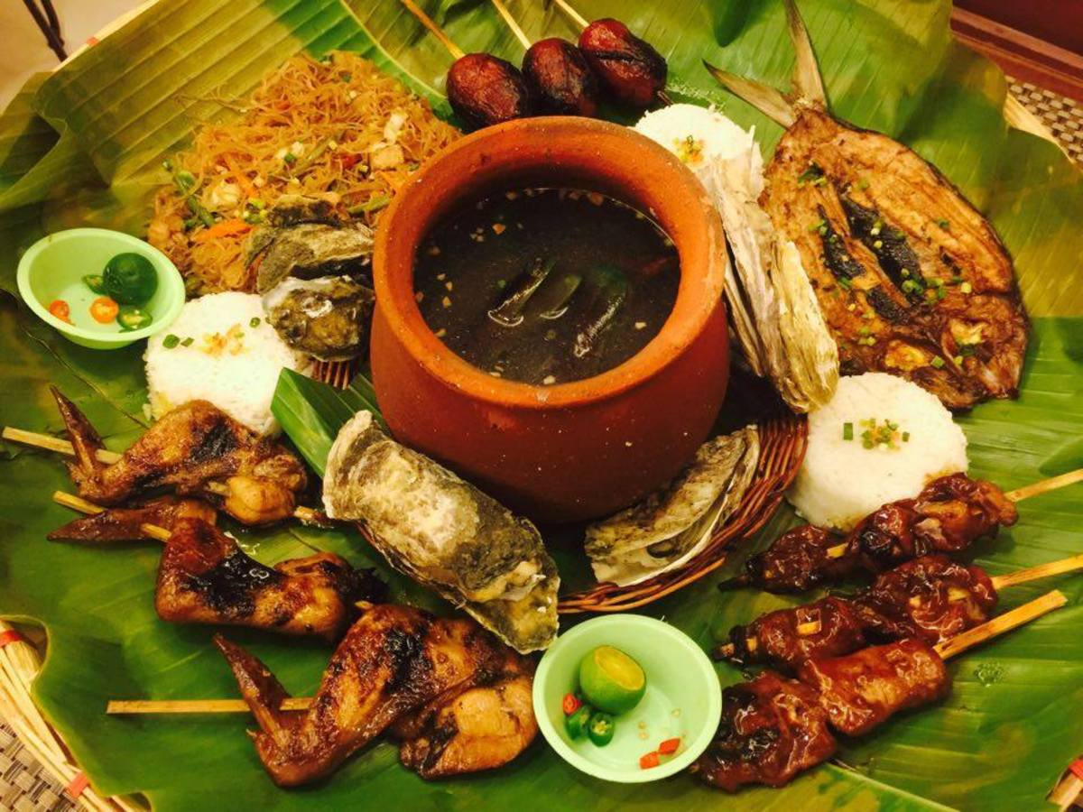 Boodle Fight Feast for a small group.