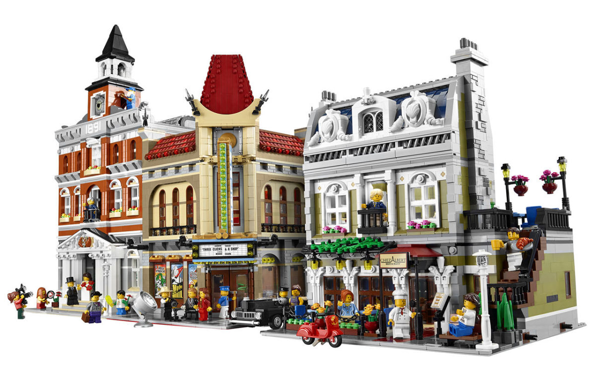 LEGO Creator Parisian Restaurant Modular Building | Build an entire town with the LEGO Modular buildings collection!