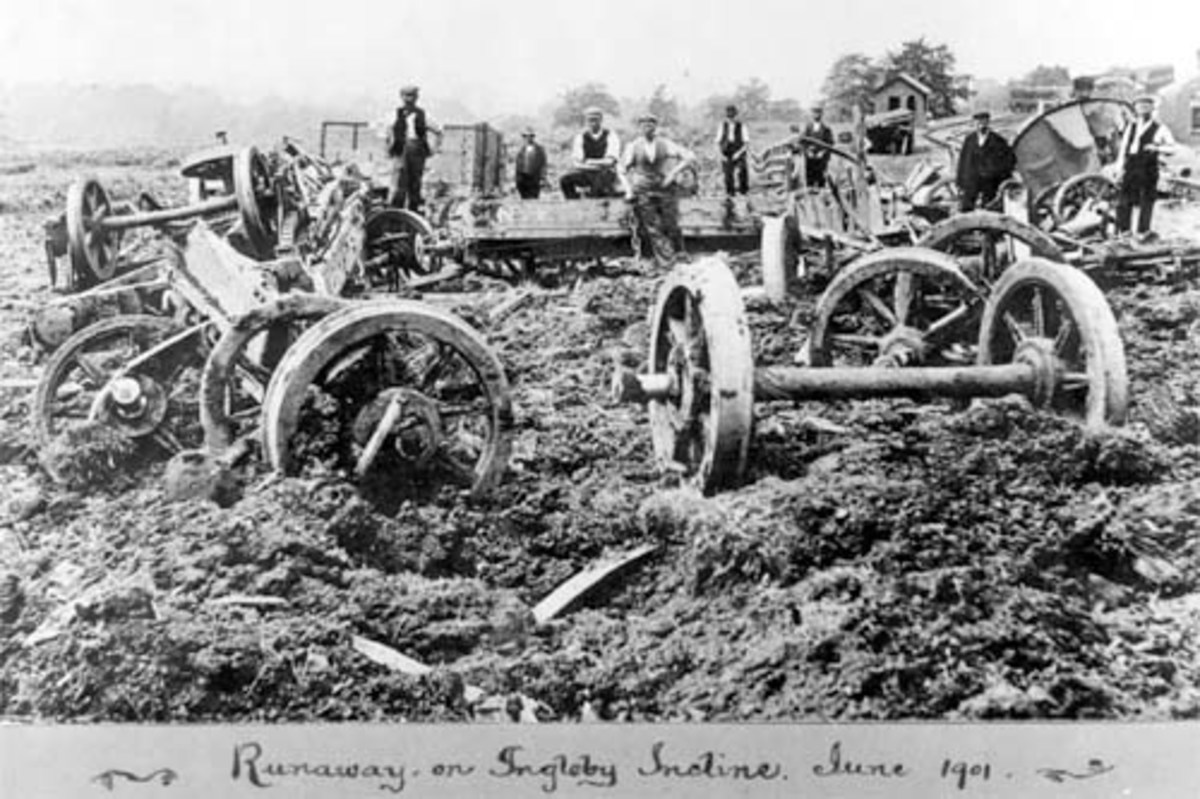 Incline casualties - the wagons seem to have pitched over and lost their wheels as well as their loads. Incline Foot ca 1900