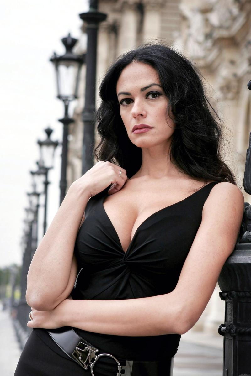 top-10-most-beautiful-italian-women-actresses