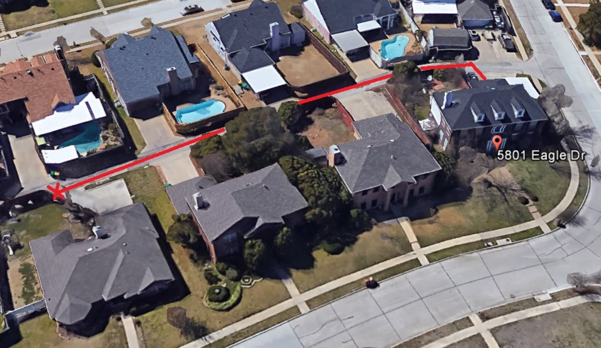 Location of the sock found down the alley from the Routier home, 3 house away. When observing the photo, it's not really that far from the murder scene.