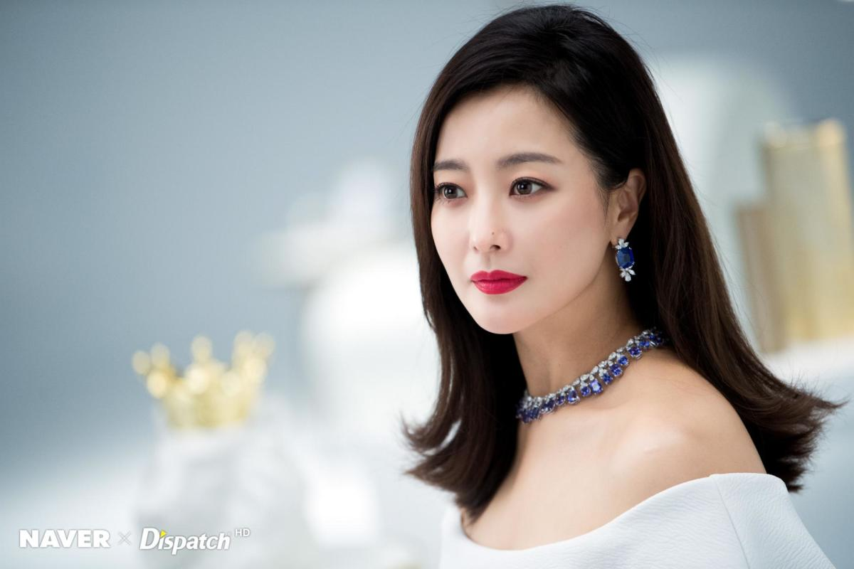 kim-hee-sun-and-nanao-two-celebrities-that-are-more-than-just-entertainers