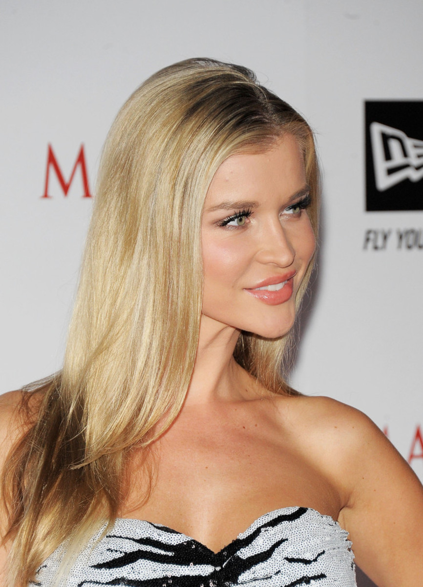 joanna-krupa-beautiful-polish-supermodel-and-animal-rights-activist-that-was-on-dancing-with-the-stars