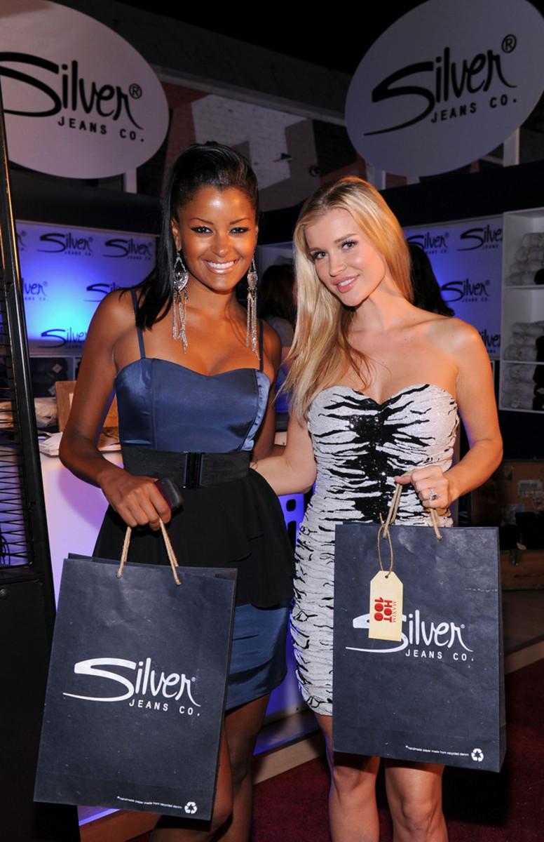 Joanna Krupa with TV personality Claudia Jordan (left).