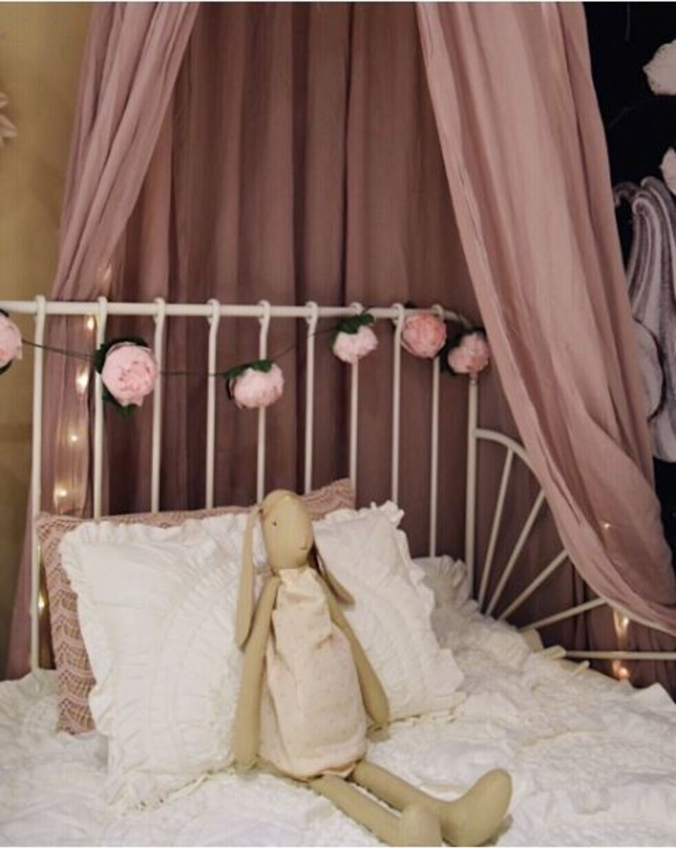 Add personal touches with small & inexpensive accessories like fairy light and flower garland.