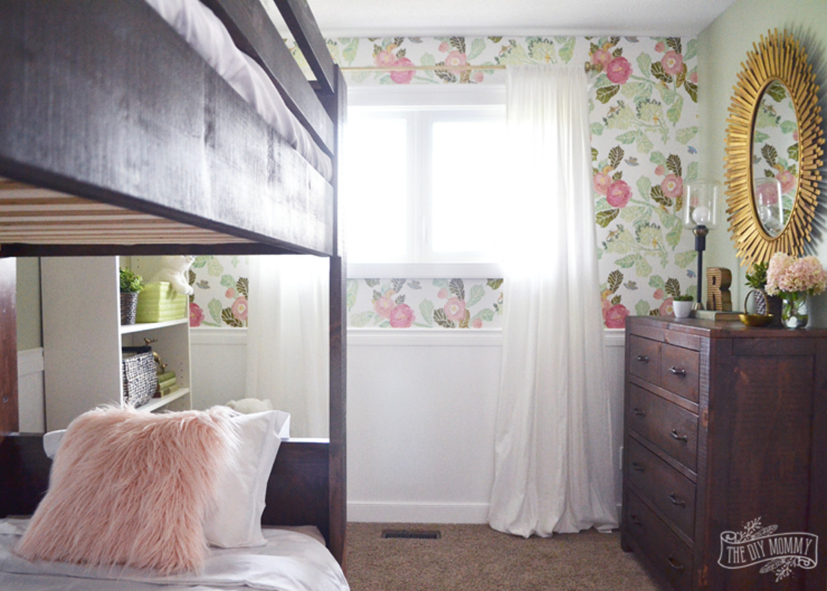 Rustic, floral & girly with a touch of glam.