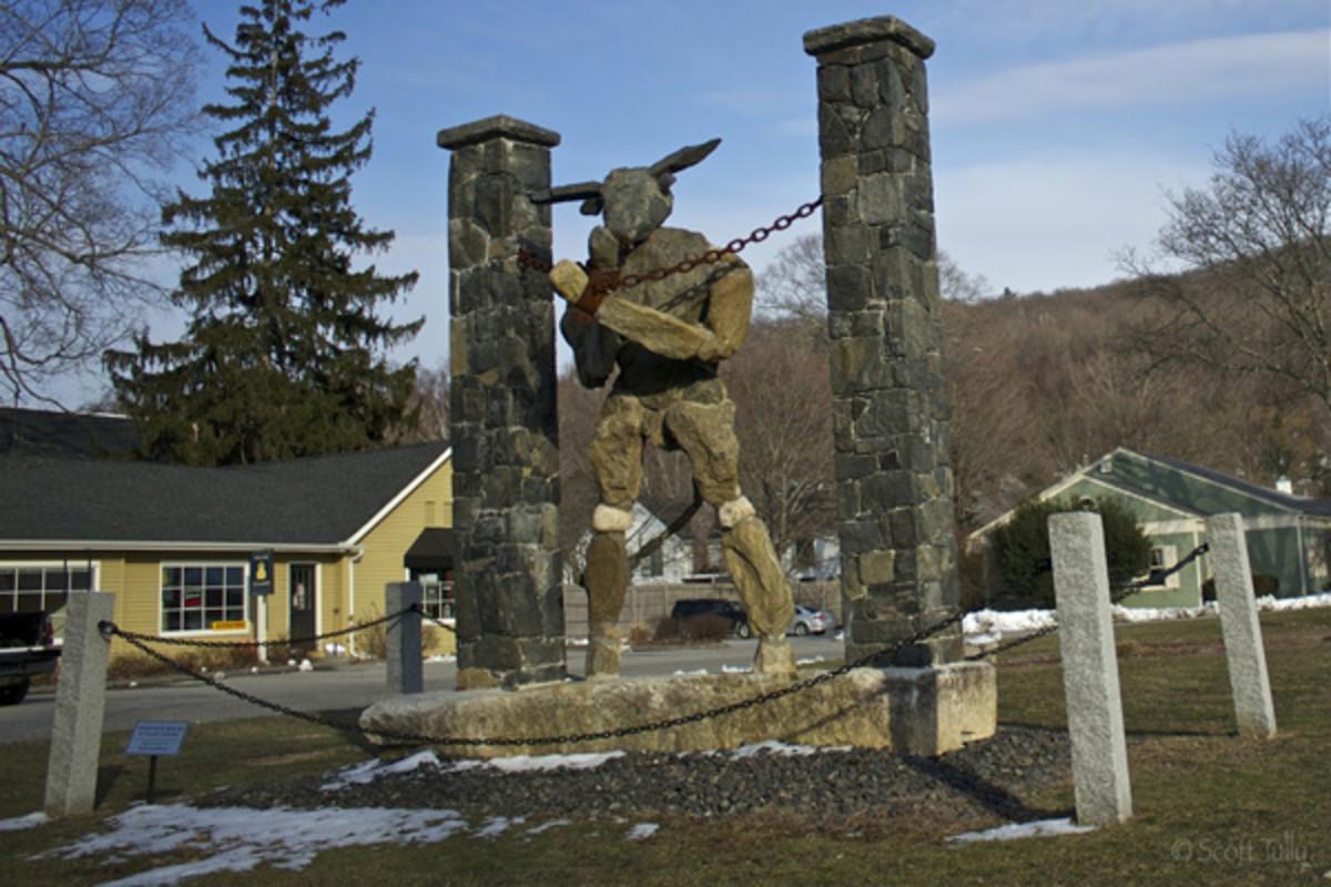 Jaskolka Sculptures: Defining the Medium of Big Art